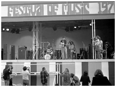 Vox Supremes at the Isle of Wight festival, 1970