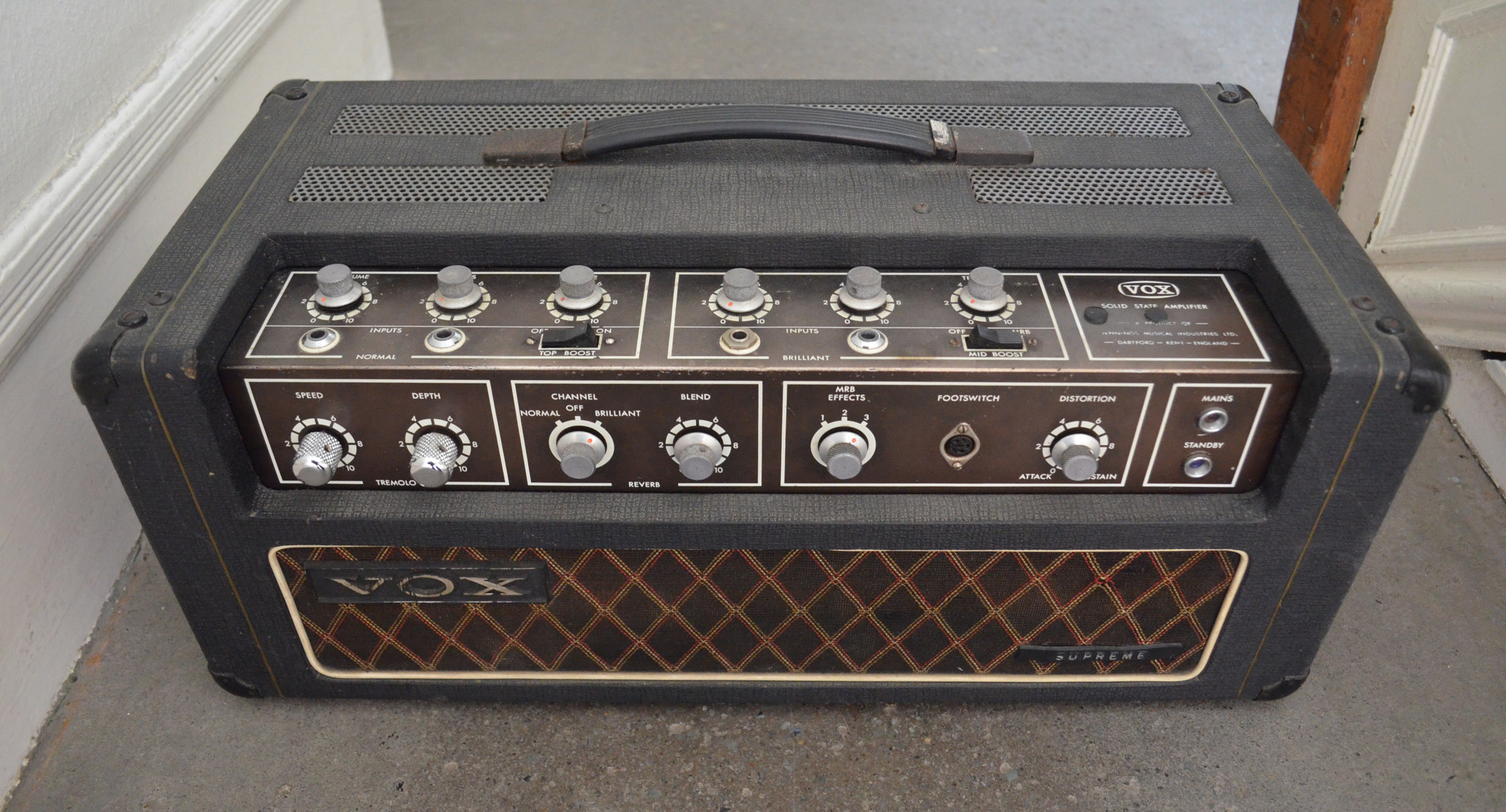 dating vox amps serial number The ac-30 was the sole vox amp model that survived the it is easy to determine the age of an ac30tb or tbx from the serial number on the id plaque on the upper.
