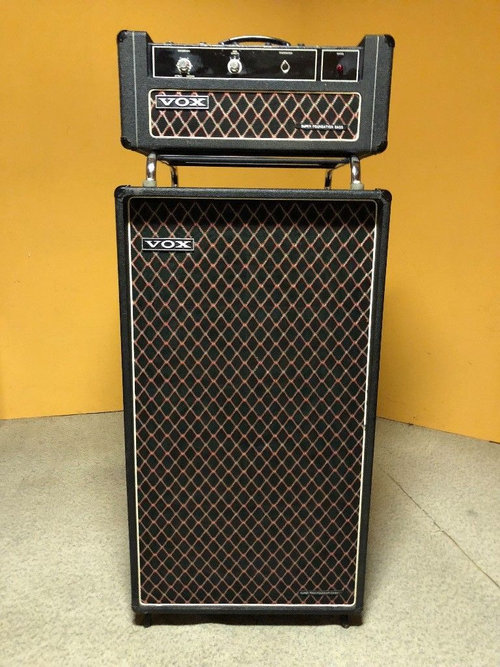 Vox Sound Limited Super Foundation Bass amplifier and speaker cabinet