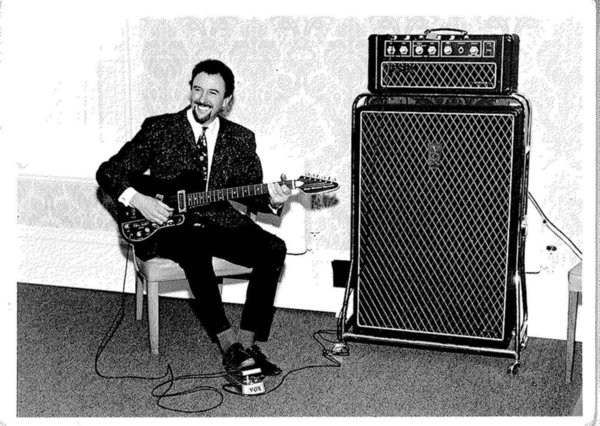 Dick Denney with a Vox Supreme, April 1967