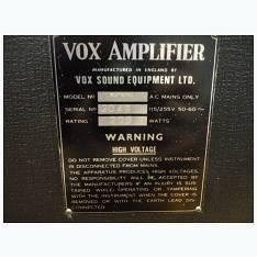 numero di serie Vox amp Dating 16 anno vecchio ragazzo di 23 anno vecchio
