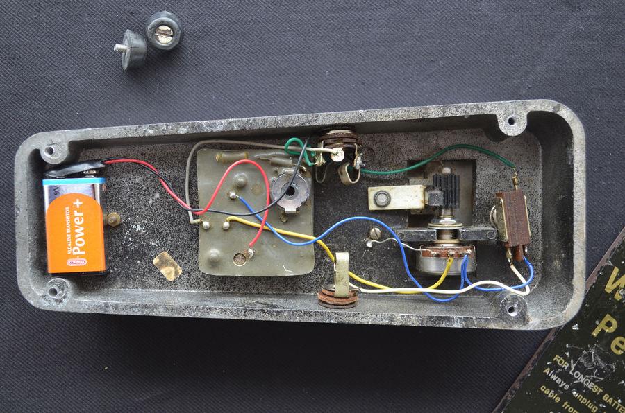 Vox Wah Wah pedal, Italian Clyde McCoy script pedal